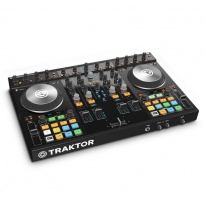 Native Instruments Traktor Kontrol S4 MK2 DJ Kontroleris