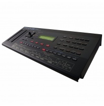 Roland Boutique D-05 Linear Sintezatorius