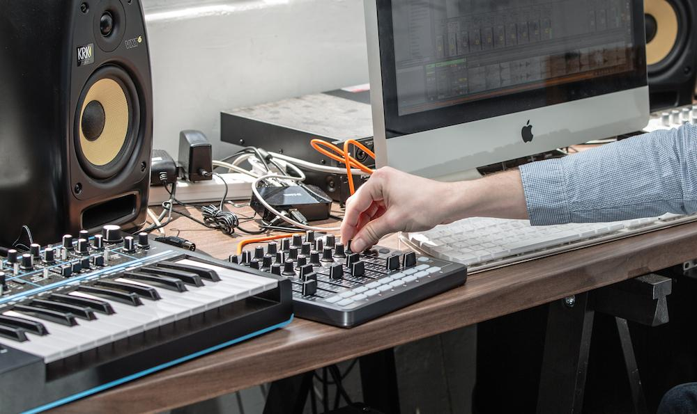 Summer NAMM 2014: Novation Launch Control XL MIDI kontroleris