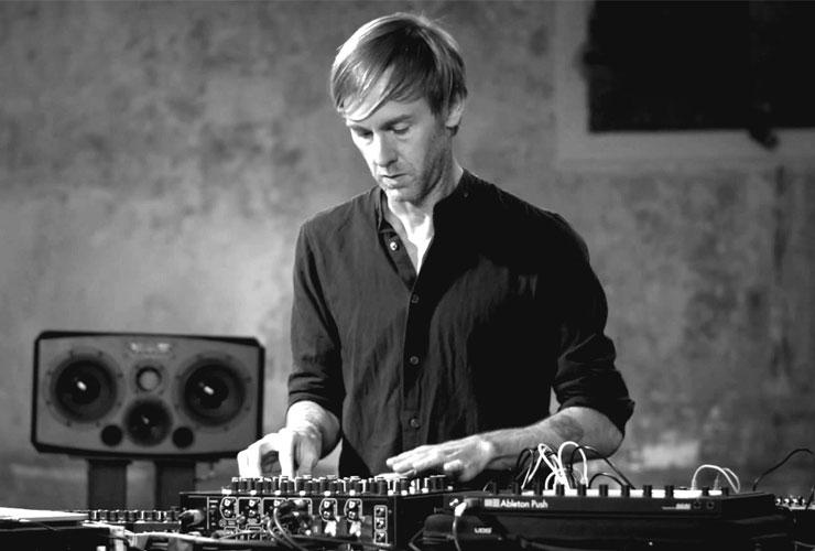 ŽIŪRĖK: Kaip technologijos keičia DJ pasaulį