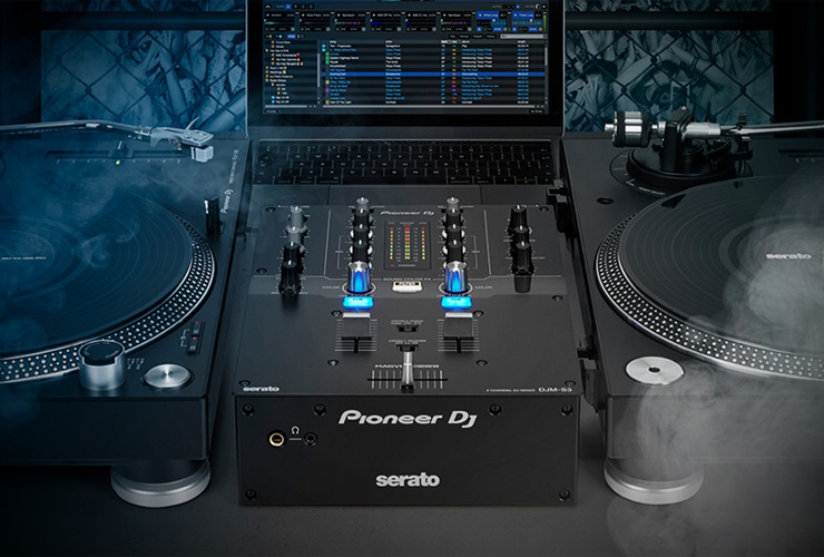 Naujiena: Pioneer DDJ-SR2 DJ kontroleris ir DJM-S3 mikšeris