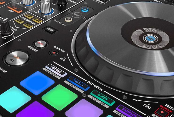 Naujiena: Pioneer DDJ-RX ir DDJ-RZ DJ kontroleriai + Rekordbox DJ 4.0