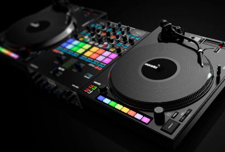Reloop Elite DJ mikšeris ir RP-8000 MK2 patefonas
