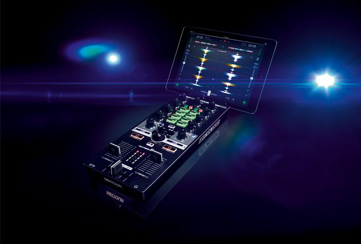 Naujiena: Reloop Mixtour DJ kontroleris