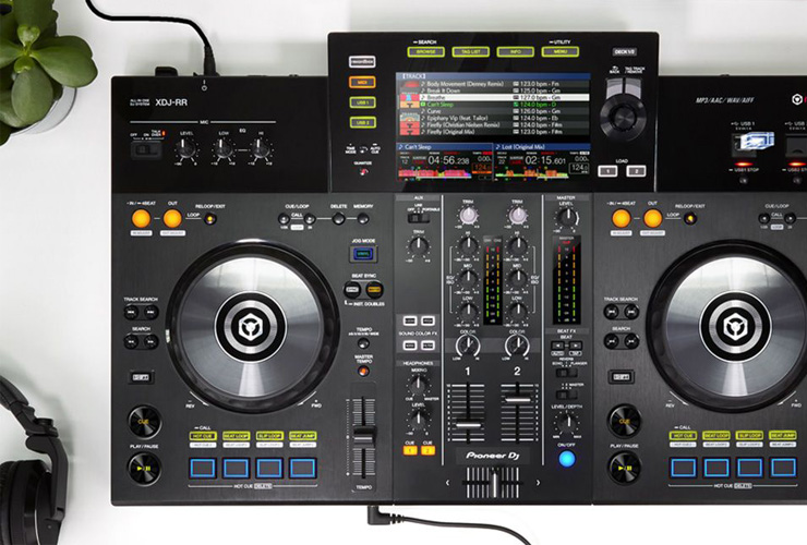 Naujiena: Pioneer XDJ-RR DJ kontroleris