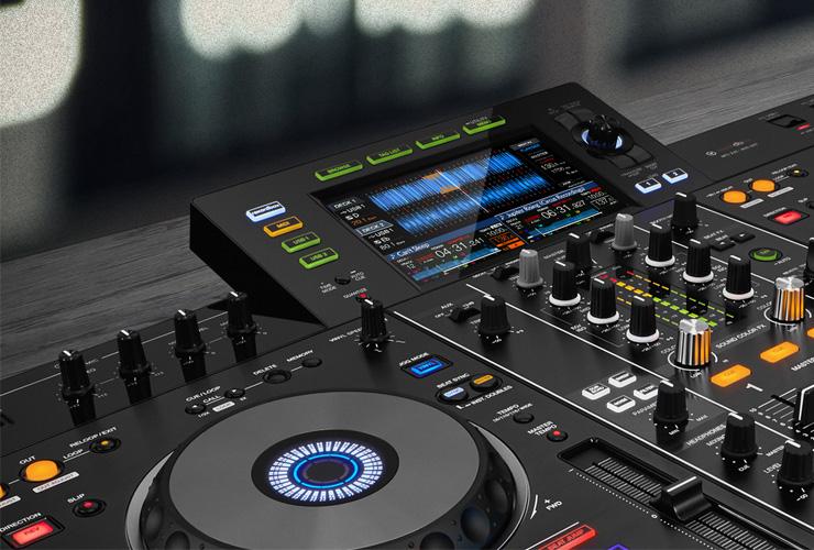 Naujiena: Pioneer XDJ-RX2 DJ kontroleris